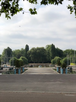 Walk - Thames Path south bank - Section 2 of 4 - 00015