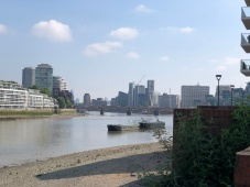 Walk - Thames Path south bank - Section 2 of 4 - 00045