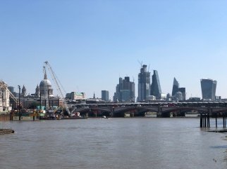 Walk - Thames Path south bank - Section 2 of 4 - 00073