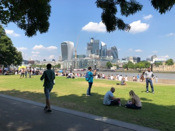 Walk - Thames Path south bank - Section 2 of 4 - 00086