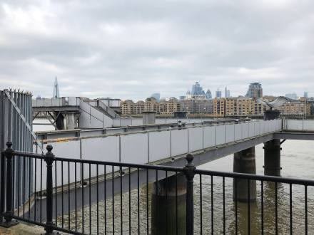 walk-thames-path-south-bank-section-3-of-4-00018