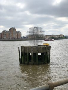 walk-thames-path-south-bank-section-3-of-4-00028