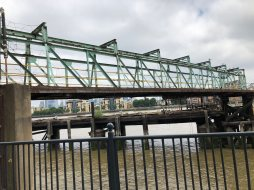 walk-thames-path-south-bank-section-3-of-4-00032