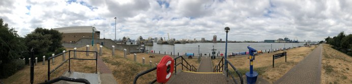 walk-thames-path-south-bank-section-3-of-4-00069
